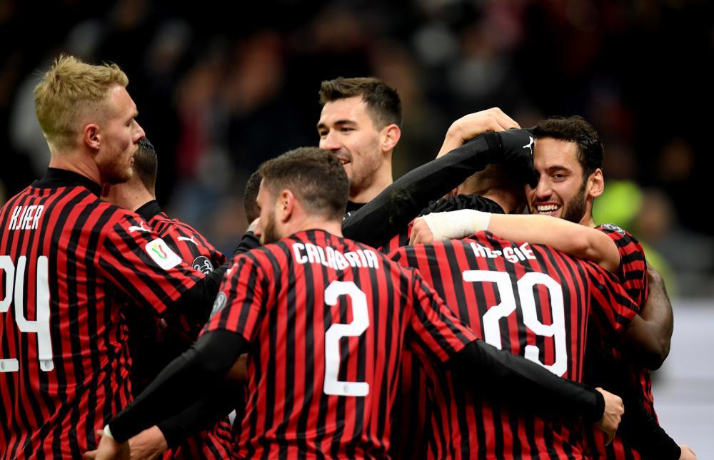 ميلان - روما: التشكيلة الرسمية للفريقين
