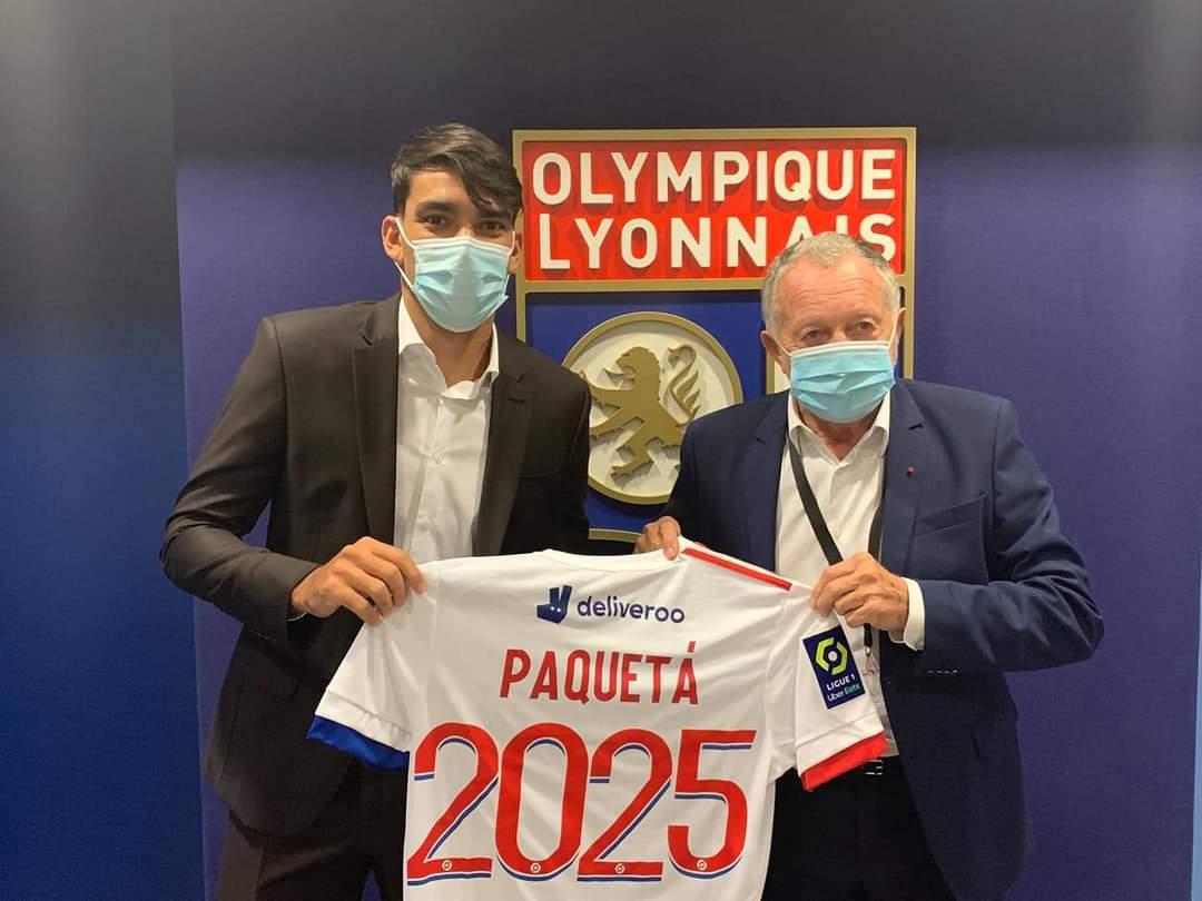 رسميا باكيتا ينتقل إلى ليون الفرنسي